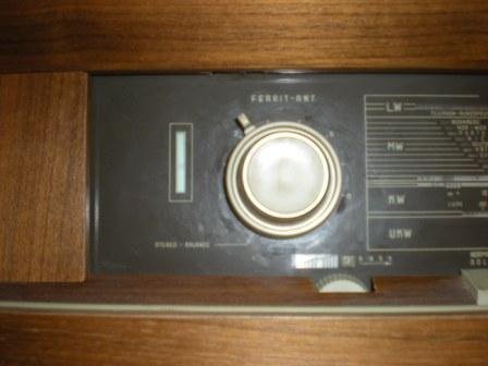 Ancien Meuble Radio Tourne Disque 07 Bouton Volume